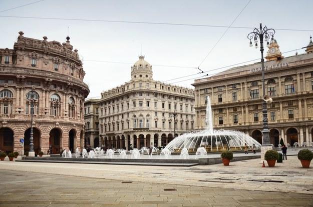 Piazza De Ferrari w Genui /123/RF PICSEL