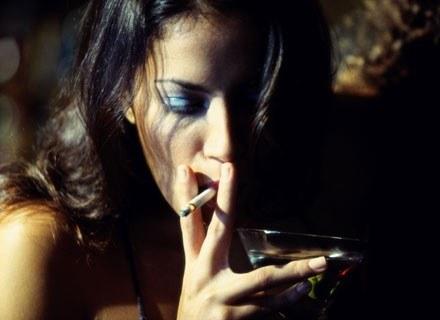 Picie, palenie i otyłość -  sprzymierzeńcy raka /Getty Images/Flash Press Media