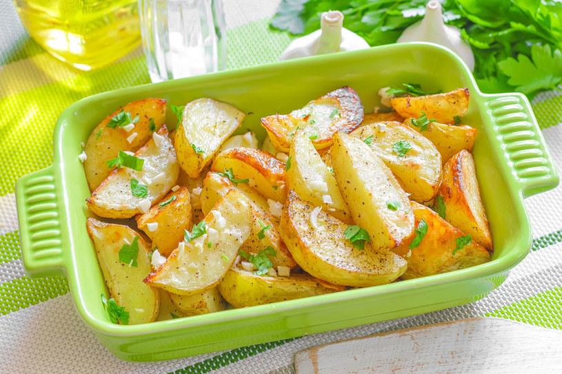 Pieczone ziemniaki /©123RF/PICSEL