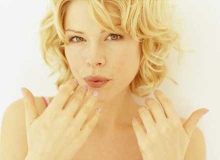 Piękne dłonie to wizytówka kobiety /INTERIA.PL