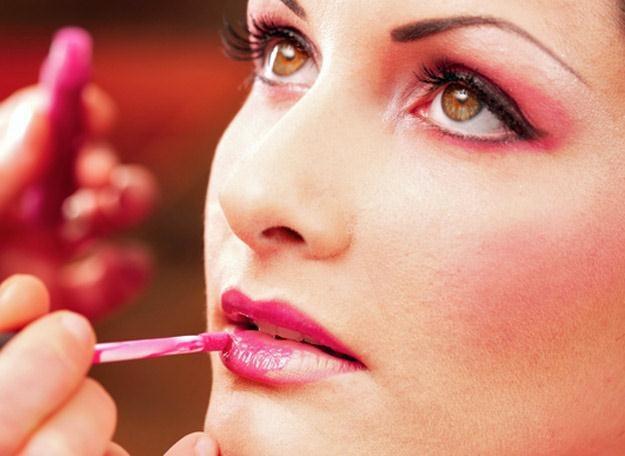 Piekne, wypielęgnowane usta mogą być ozdobą każdej kobiety /© Panthermedia