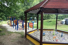 Piękny, nowy plac zabaw w Dobroszycach! Na dzieci czeka mnóstwo atrakcji
