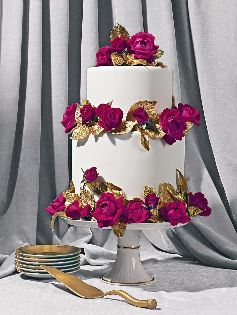 Piękny, romantyczny sposób dekoracji tortu /The New York Times Syndicate