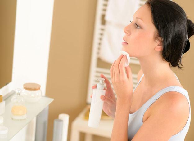 Pielęgnację skóry warto uzupełnić bogatym w odżywcze witaminy i mikroelementy menu /©123RF/PICSEL