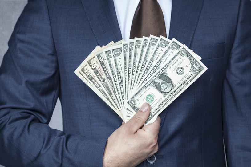Pieniądze nie dają szczęścia? /123RF/PICSEL
