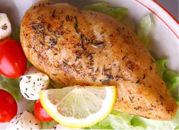 Pierś z kurczaka na ostro /- /©123RF/PICSEL