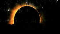 Pierścień mgły: Tajemnicza instalacja pośrodku lasu