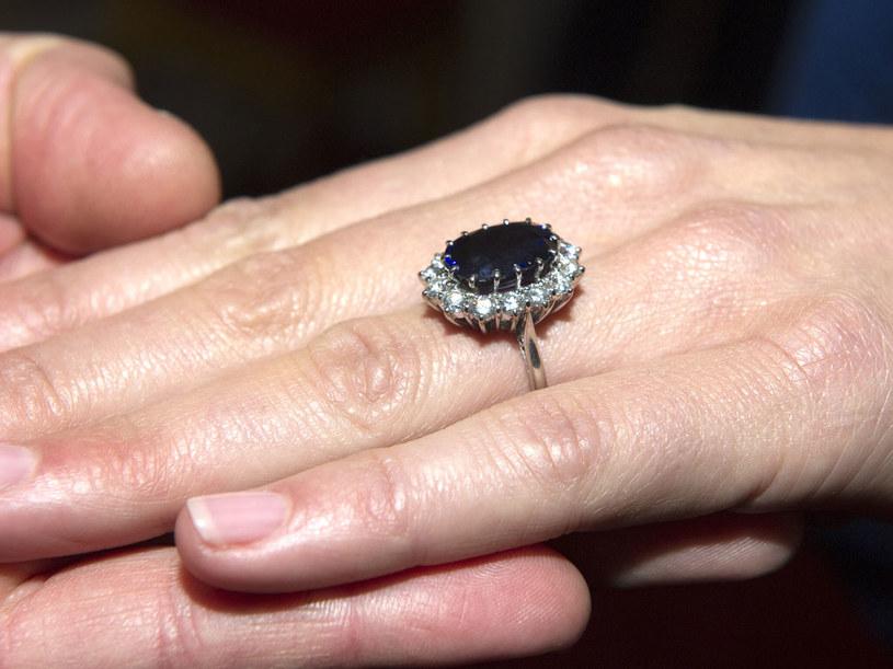 Pierścionek zaręczynowy Kate