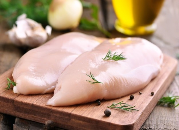 Piersi z kurczaka przyrządzisz na kilka smacznych sposobów /©123RF/PICSEL
