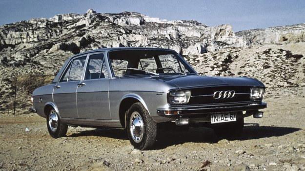 """Pierwsza generacja """"setki"""" ma wartość historyczną. Dzięki niej po latach nieobecności marka zaistniała w tej klasie. /Motor"""