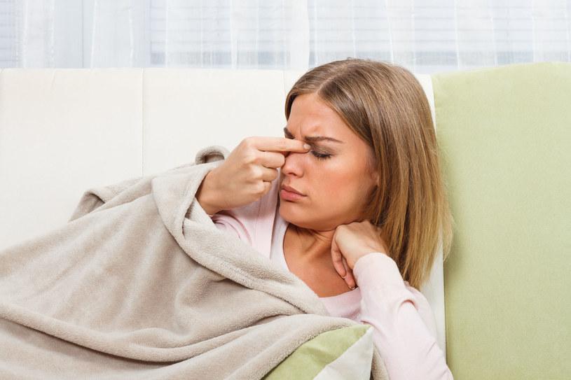 Pierwsze dni infekcji są szczególnie istotne dla rozwoju choroby /©123RF/PICSEL