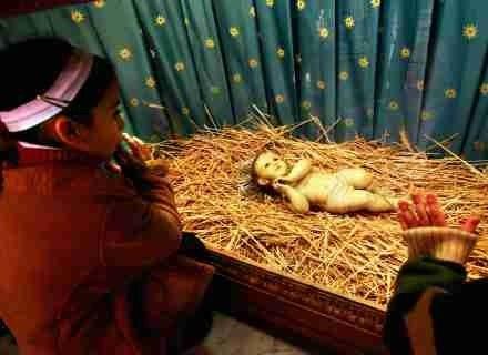 Pierwsze próby ustalenia kiedy dokładnie przyszedł na świat Jezus datuje się na III wiek. /Getty Images/Flash Press Media