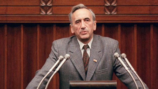 Pierwszy niekomunistyczny premier po II wojnie światowej