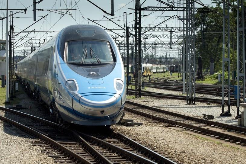 Pierwszy szybki pociąg Pendolino zakupiony przez PKP Intercity /Piotr Zając /Reporter
