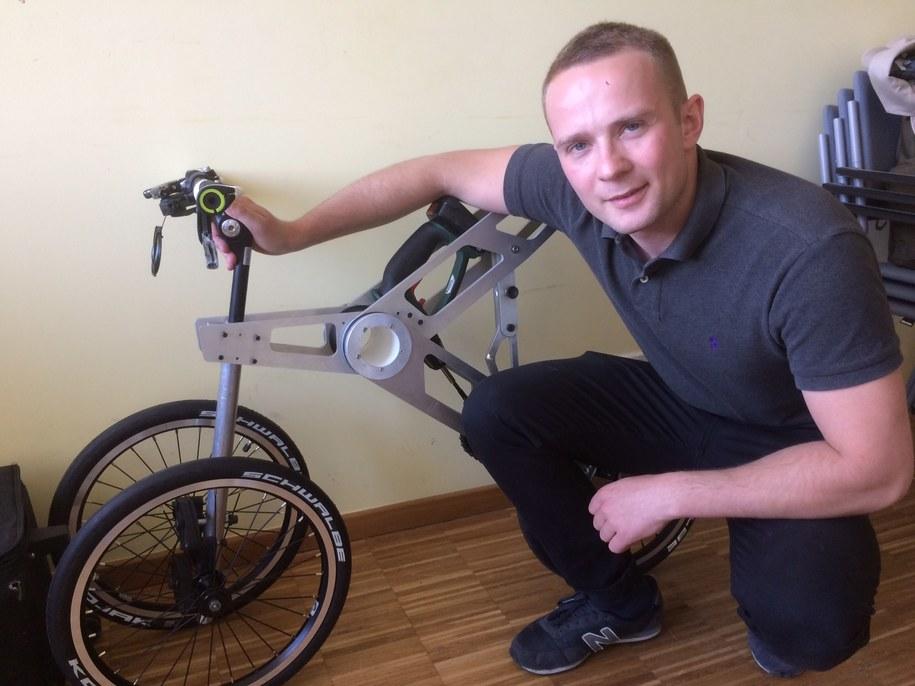 Pierwszy w Polsce pojazd napędzany wkrętarką powstał w Poznaniu /Mateusz Chłystun /RMF FM