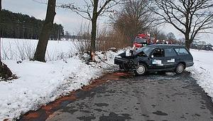 Pijany kierowca z sądowym zakazem spowodował wypadek