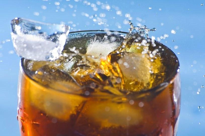 Pijesz je każdego dnia. Nie uwierzysz na co pomagają /123RF/PICSEL