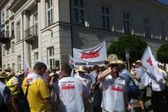 """Pikieta """"Solidarności"""" przed Pałacem Prezydenckim"""