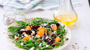 Piknikowa sałatka z pomarańczą i burakami