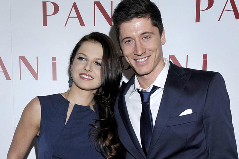 Piłkarz i jego żona są jak gwiazdy Hollywood /Kurnikowski /AKPA