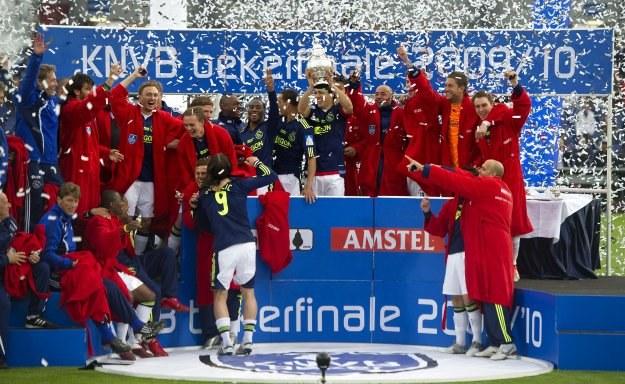 Piłkarze Ajaksu fetują wywalczenie Pucharu Holandii /AFP