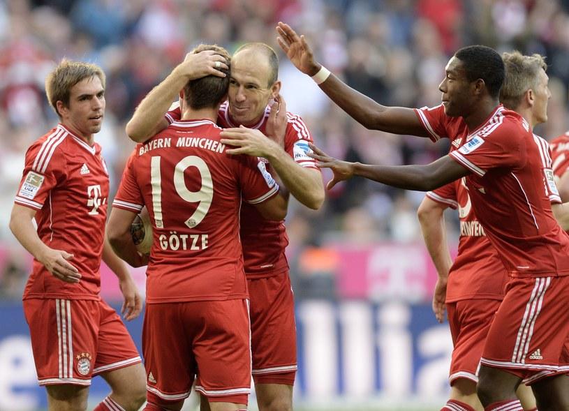 Piłkarze Bayernu Monachium znakomicie spisują się w Bundeslidze /AFP