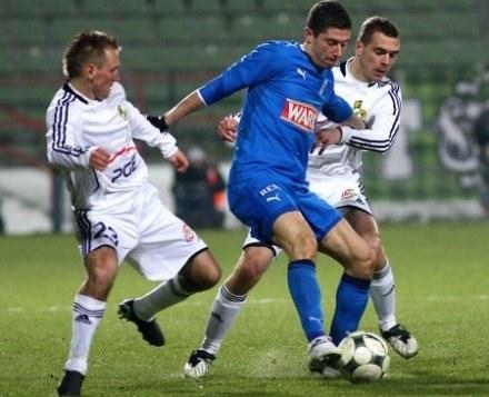PIłkarze GKS walczą na boisku, a zarządy klubu walczą w gabinetach /Agencja Przegląd Sportowy