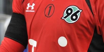 Piłkarze Hannoveru 96 uczczą pamięć Roberta Enke /AFP