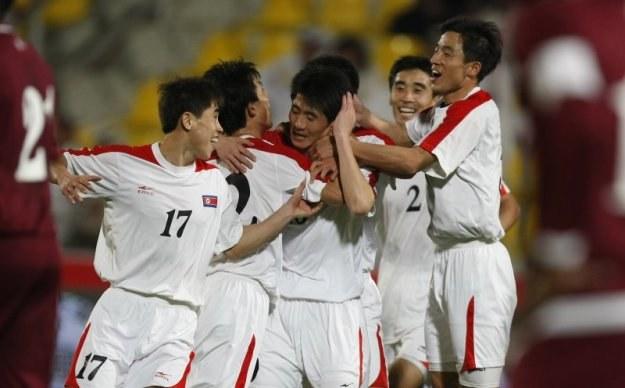 Piłkarze Korei Północnej cieszą się z gola w meczu z Katarem /AFP