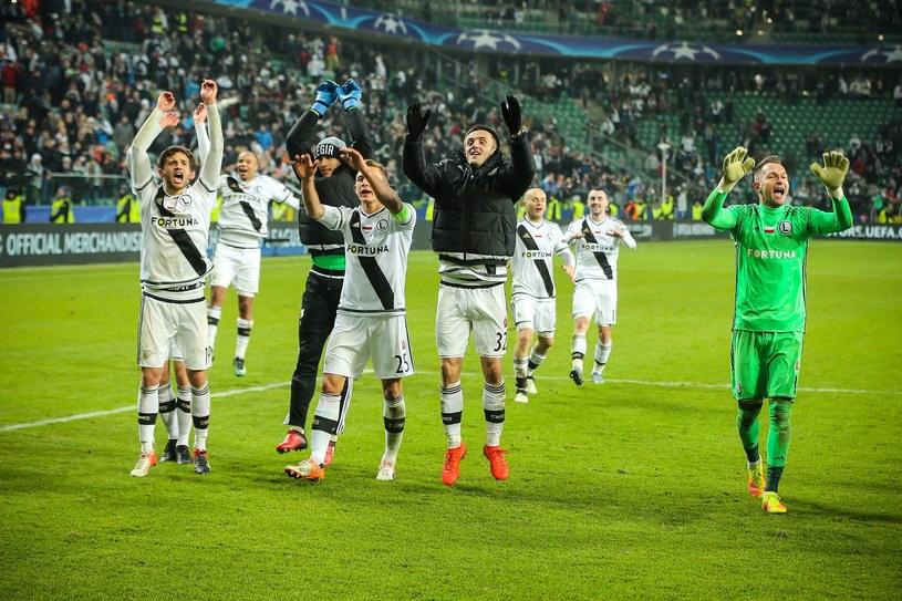 Piłkarze Legii cieszą się po wygranej w LM ze Sportingiem Lizbona /Kamil Piklikieiwcz /East News