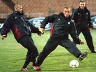 Piłkarze MU podczas treningu w Kijowie