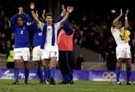 Piłkarze Włoch świętują sukces nad gospodarzami