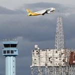 Pilot i pasażerowie samolotu pomogli lekarzowi uratować noworodka