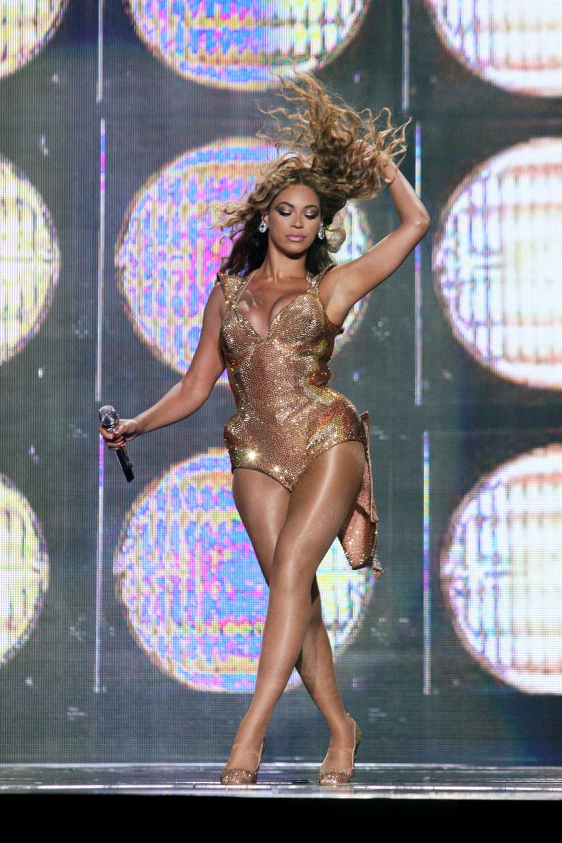 Piosenkarka występuje prywatnie za milion dolarów  /Getty Images/Flash Press Media