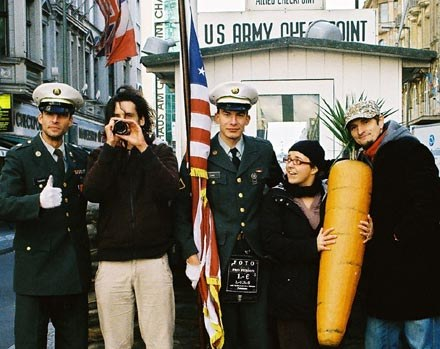 Piotr Rosołowski (autor zdjęć); Anna Wydra (producent) i Bartek Konopka (reżyser) na Checkpoint Char /