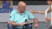 Piotr Zelt przerwał czytanie książki. Co się stało?