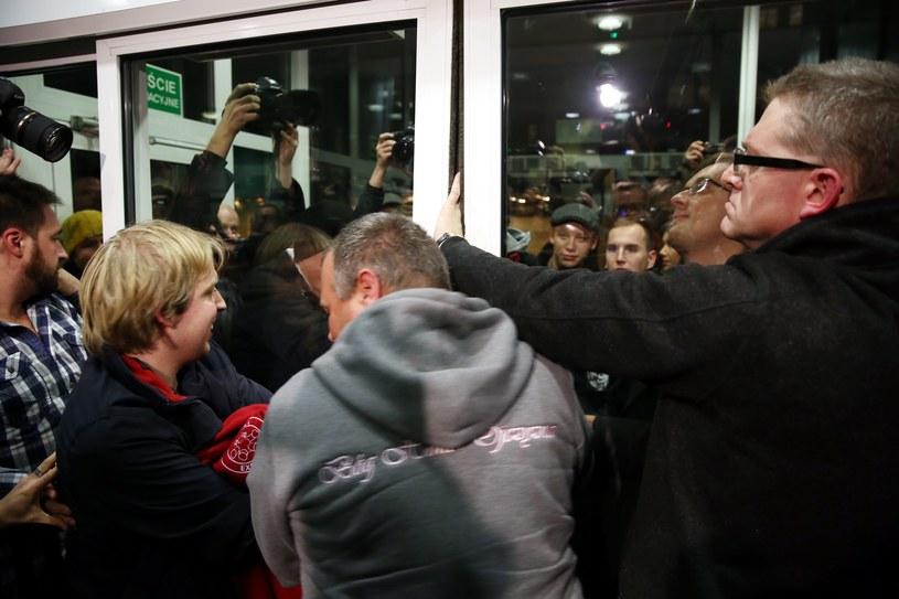 PiS potępia działania demonstrantów /Tomasz Gzell /PAP