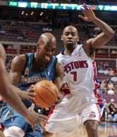 Pistons - Timberwolves 104:83.  Chauncey Billups mija Chucky Atkinsa.
