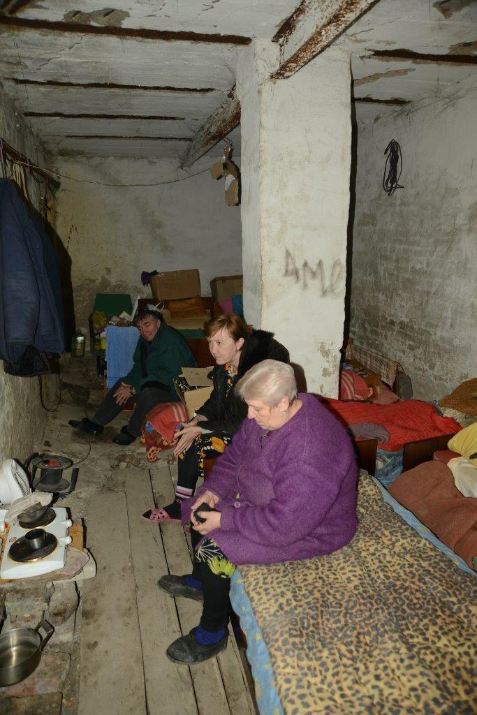 Piwnice-schrony w rejonach dotkniętych konfliktem /Radosław Rzehak /UNICEF