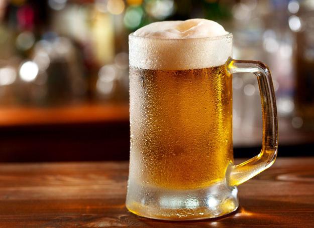 Piwo sporą część swojego sukcesu zawdzięcza kobietom /©123RF/PICSEL