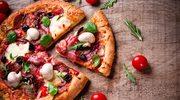 Pizza pieczarkowa z szynką