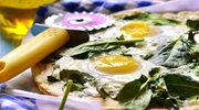 Pizza szpinakowa z jajkiem