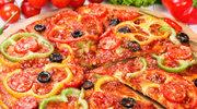 Pizza z oliwkami i papryką