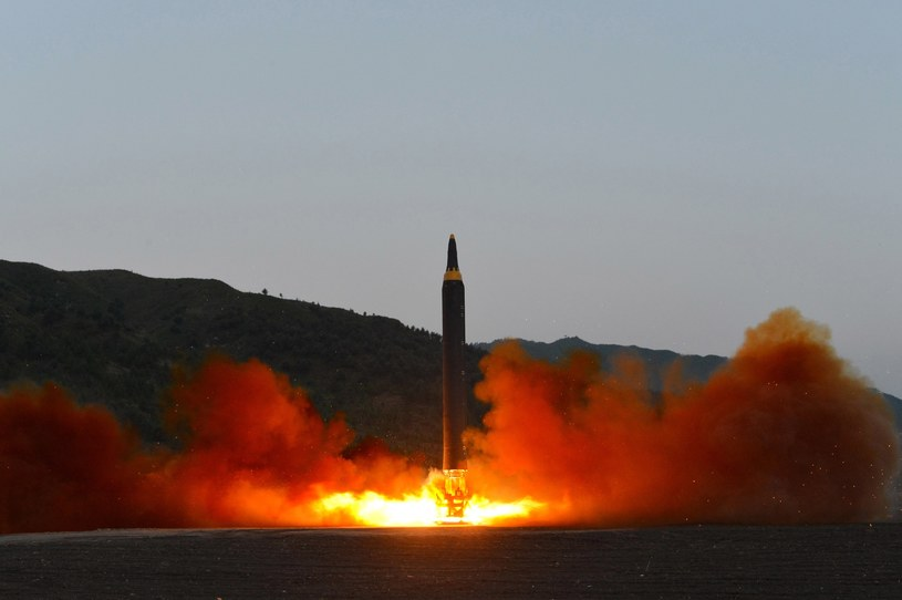 Pjongjang testuje nowe rakiety /PAP/EPA