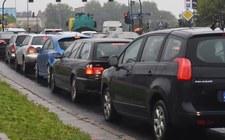 """PKE """"w pełni popiera"""" ograniczenia ruchu samochodowego"""
