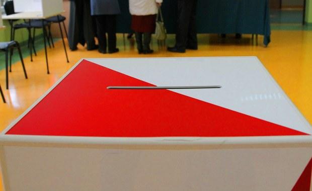 PKW ma problem: Brakuje 1500 urzędników wyborczych. Samorządy dostały prośbę o pomoc