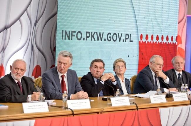 PKW na konferencji podsumowującej wyniki wyborów /PAP/Marcin Obara /PAP
