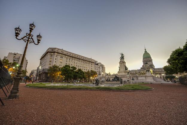 Plac Kongresowy w centrum Buenos Aires /123/RF PICSEL