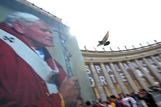 Plac św. Piotra /AFP