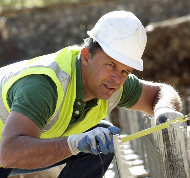 Płaca minimalna w budownictwie wzrasta w Niemczech do 15,20 euro za godzinę /© Glowimages